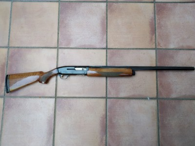 Escopeta repetidora Browning Gold Hunter