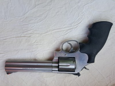 Revolver Smith and Wesson 357 Magnum